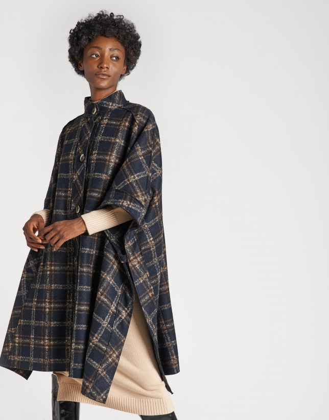 Blue checked cloth cape coat