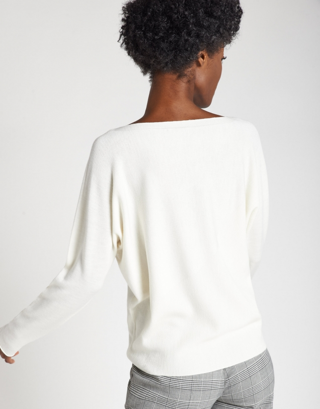 Beige sweater with Japanese sleeves