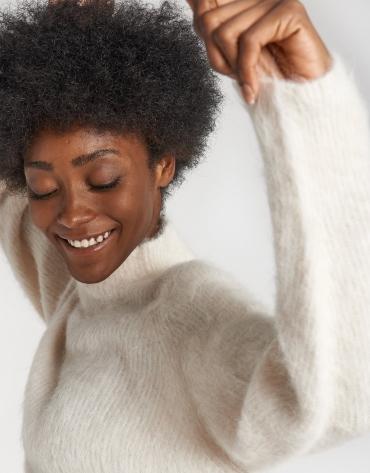 Beige sweater with Juliette sleeves