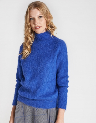 Deep blue sweater with Juliette sleeves
