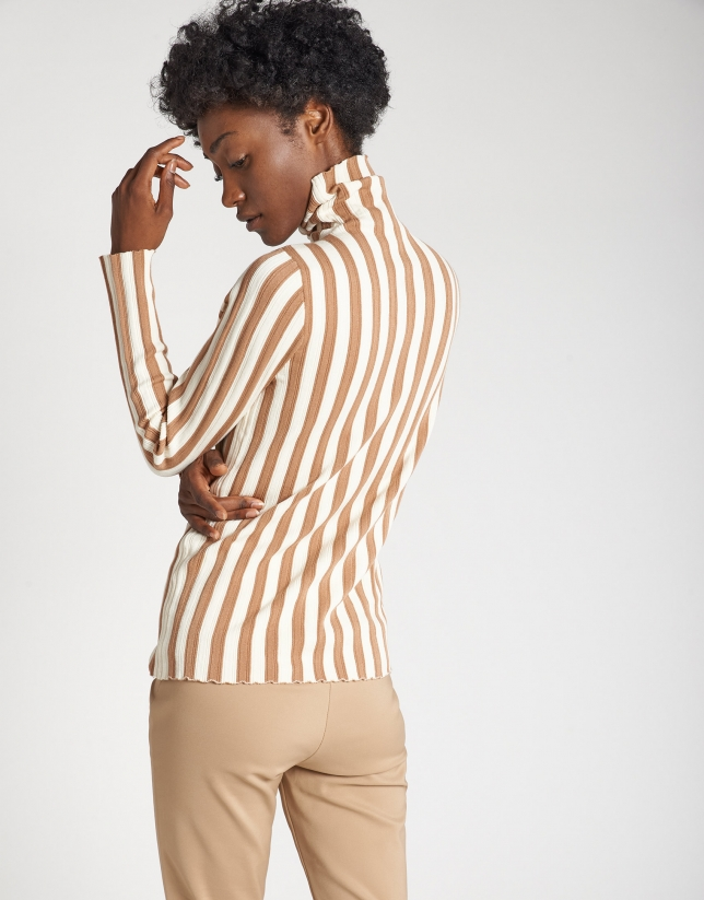 Beige striped sweater with ribbing