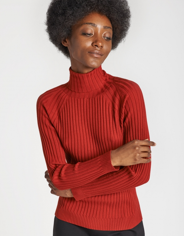 Red sweater with ribbing