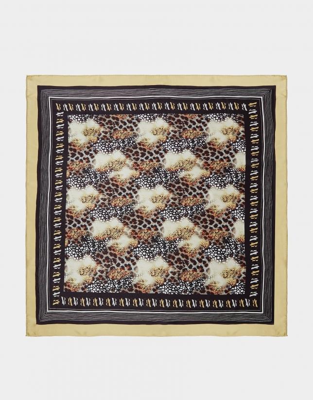 Pañuelo seda print animal contorno mostaza