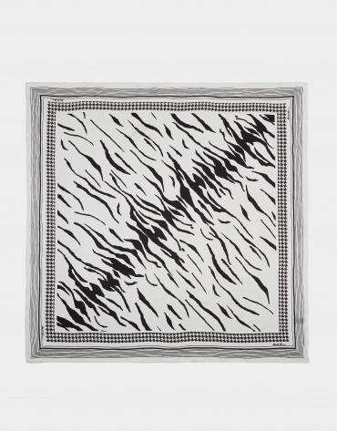 Pañuelo seda print animal blanco y negro