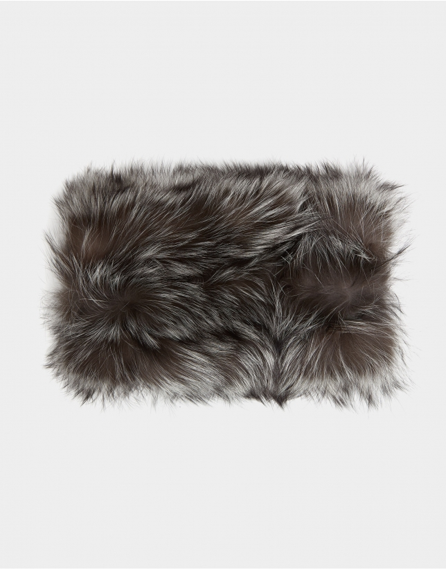 Gray fox fur collar