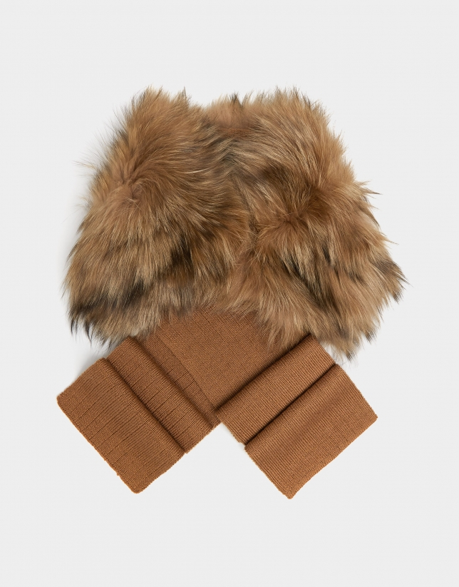 Beige wool and fox fur scarf
