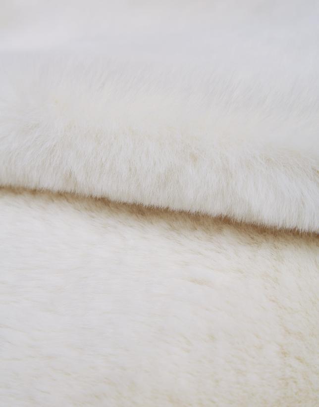 Cuello pelo blanco