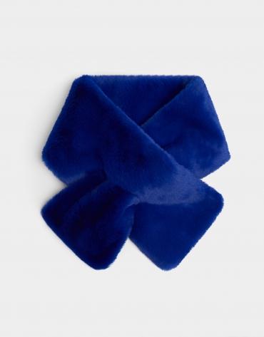Cuello pelo azul