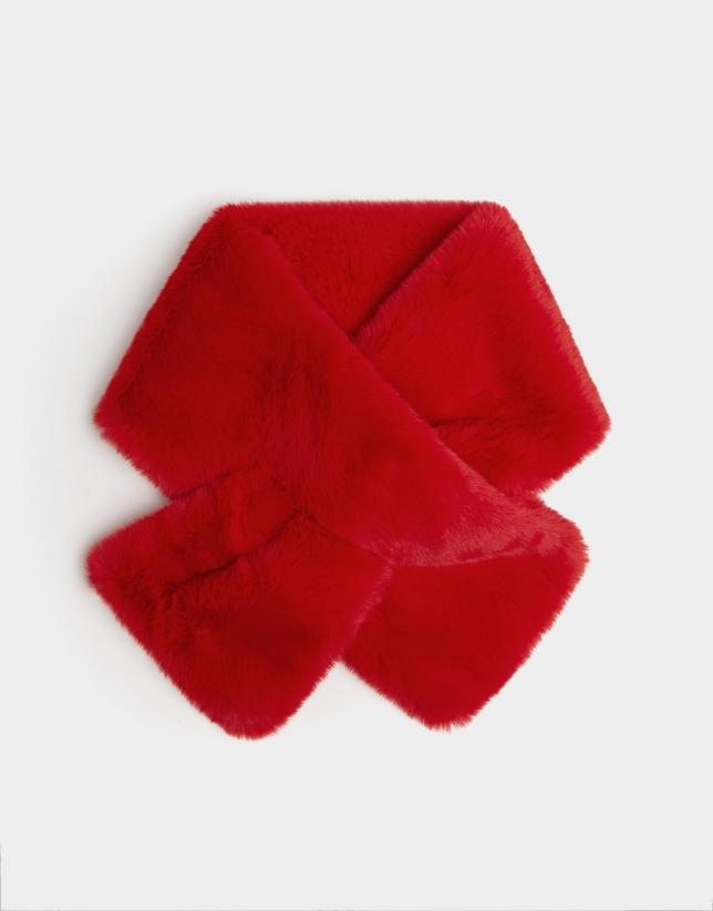 Red fur collar
