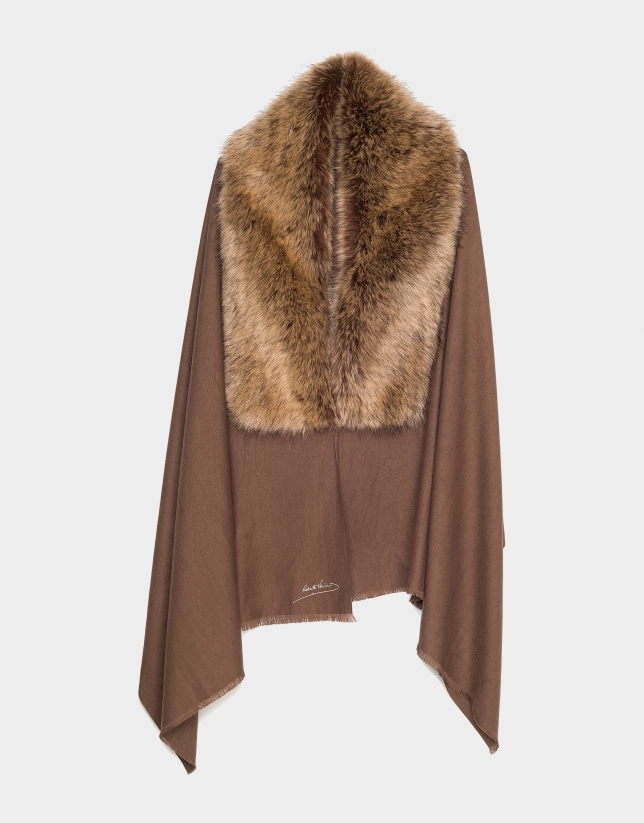 Beige scarf with cape