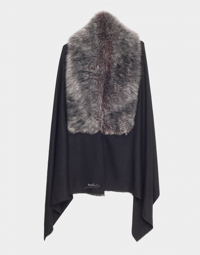 Bufanda con capa negra