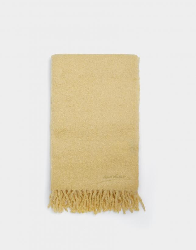 Light yellow wool scarf