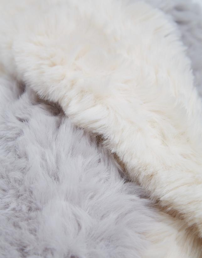Two-tone gray tubular wool scarf