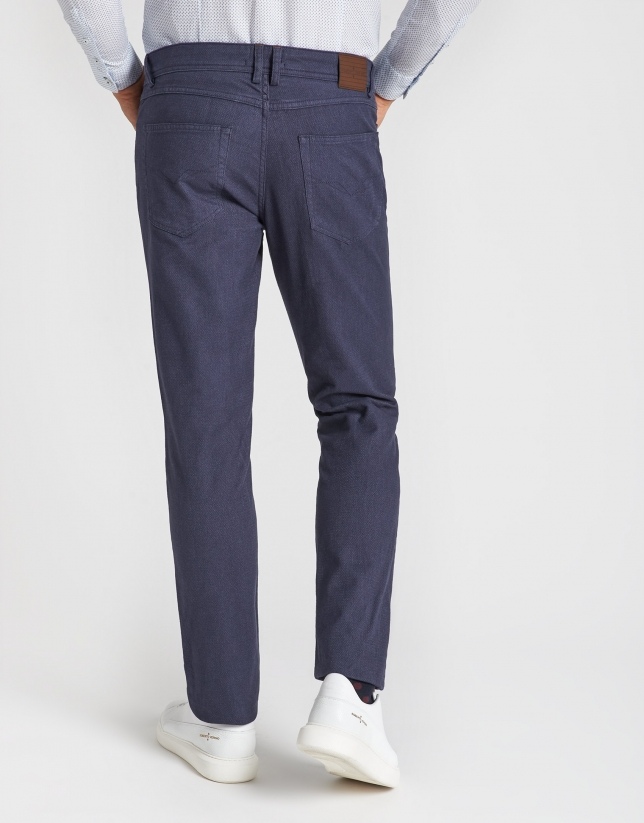 Dyed blue pants with five pockets