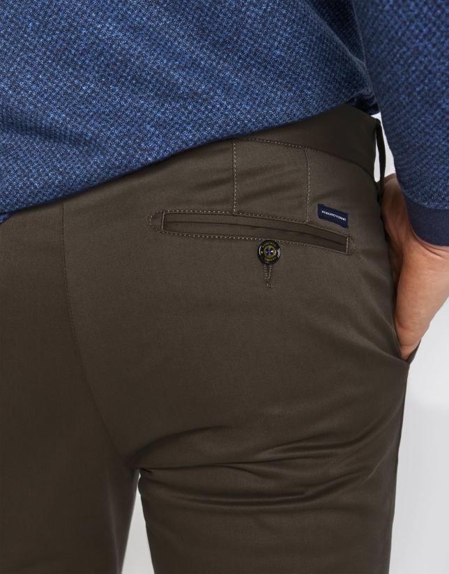 Pantalón chino algodón marrón