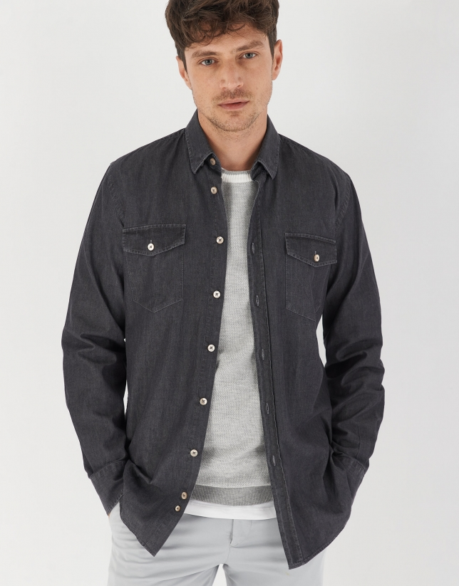 Gray denim shirt with pockets