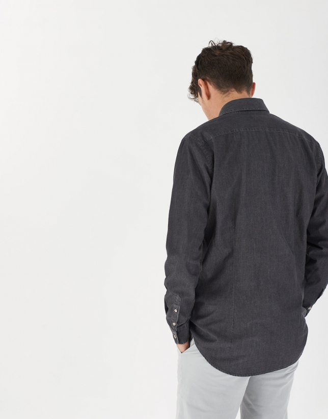 Gray denim shirt with pockets