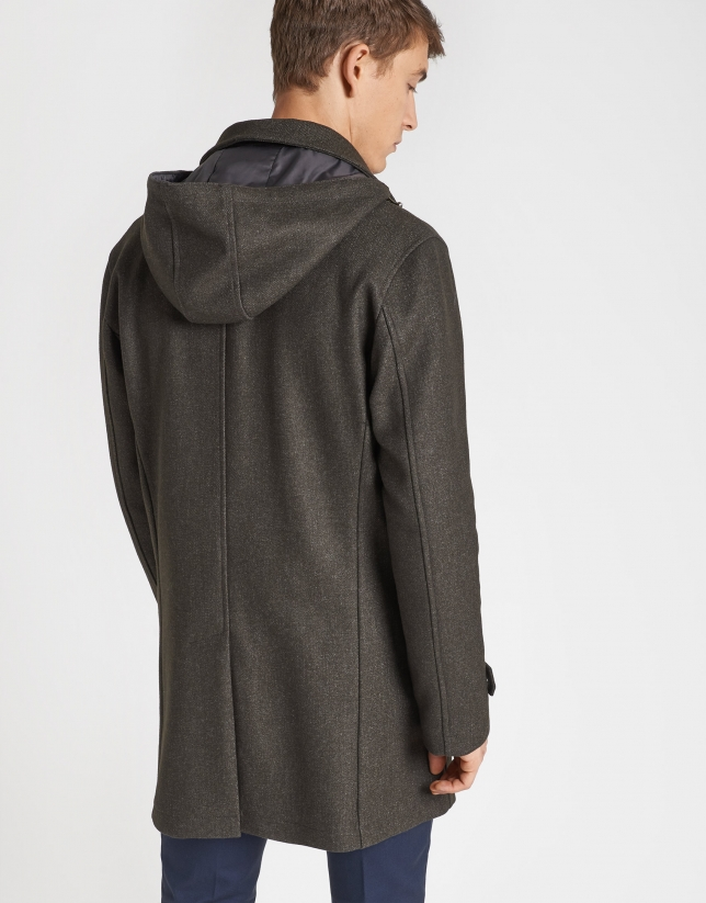 Abrigo de paño caqui con capucha
