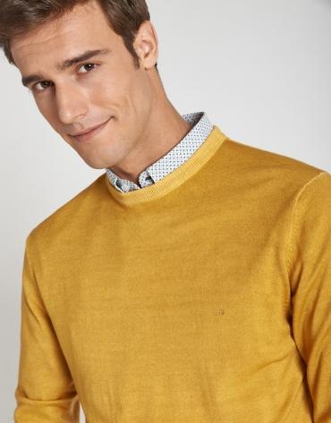 Jersey cuello caja lana tintada dorado