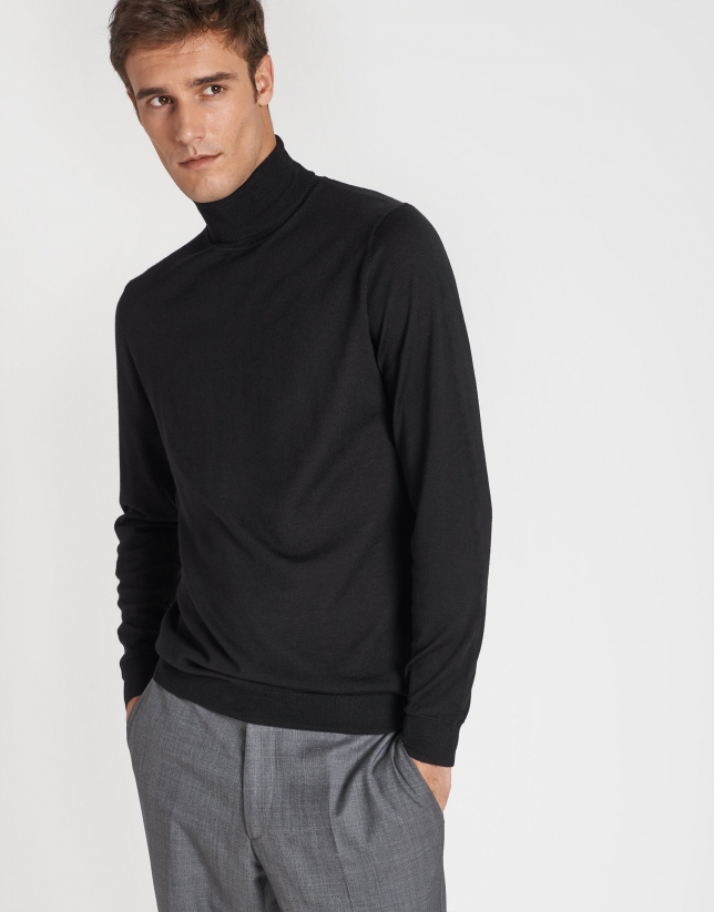 Black silk and wool sweater with turtle neck sweater