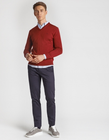 Burgundy sweater with V-neck