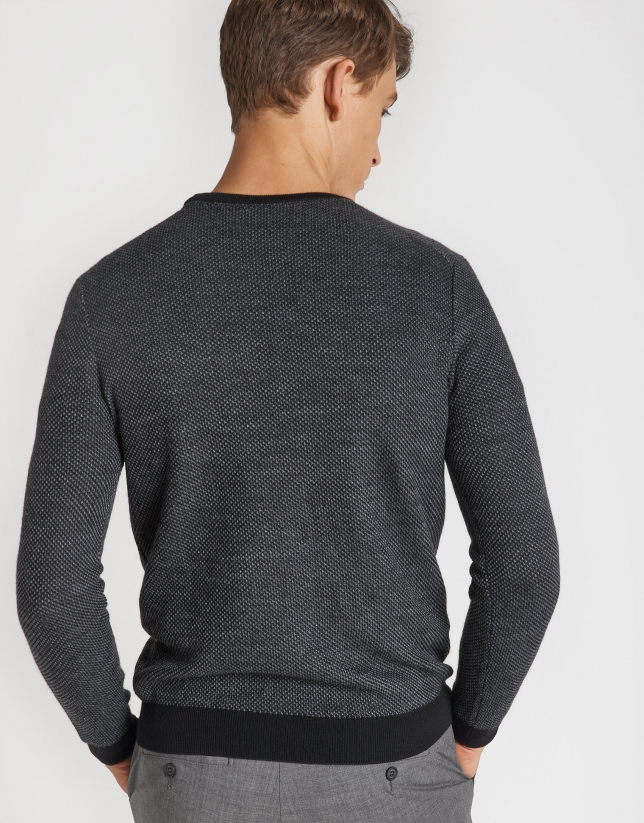 Black and gray sweater