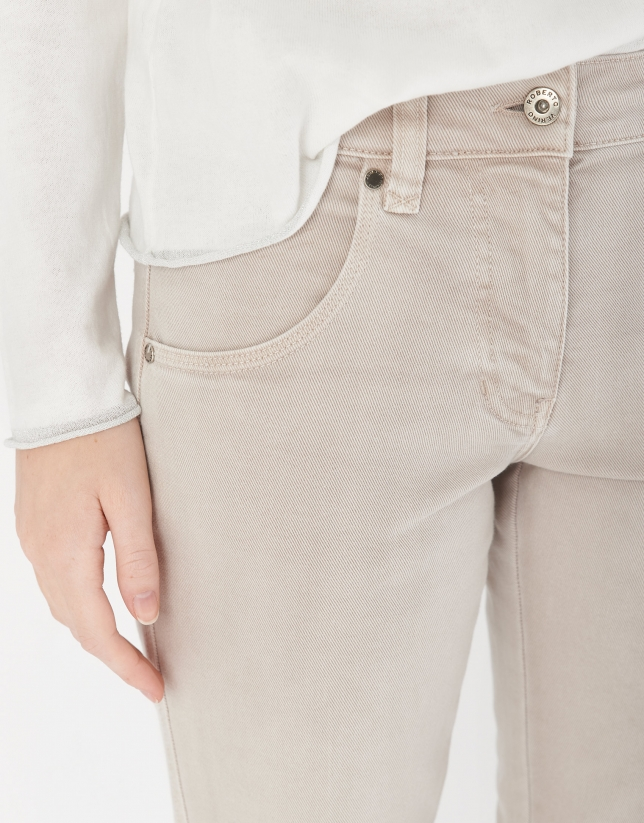 Stone gray jeans with pockets