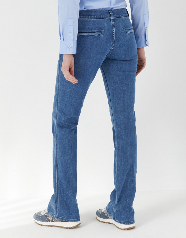 Blue jeans with pockets