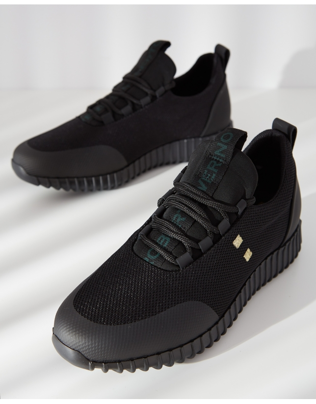 Zapatillas deportivas negras logo verde