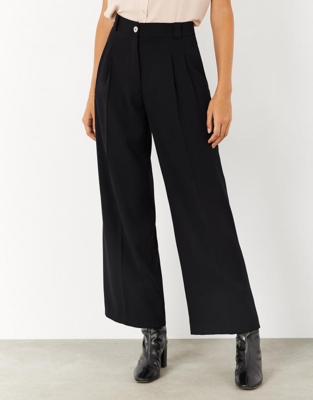 Black crepe straight pants