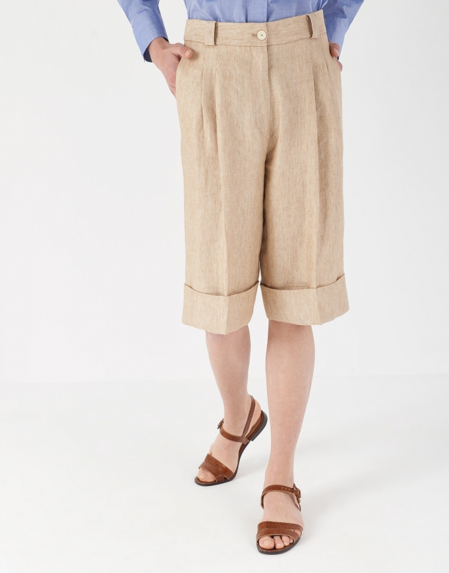 Sand-colored linen bermuda shorts