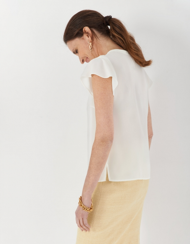 Cream flowing top with short sleeves