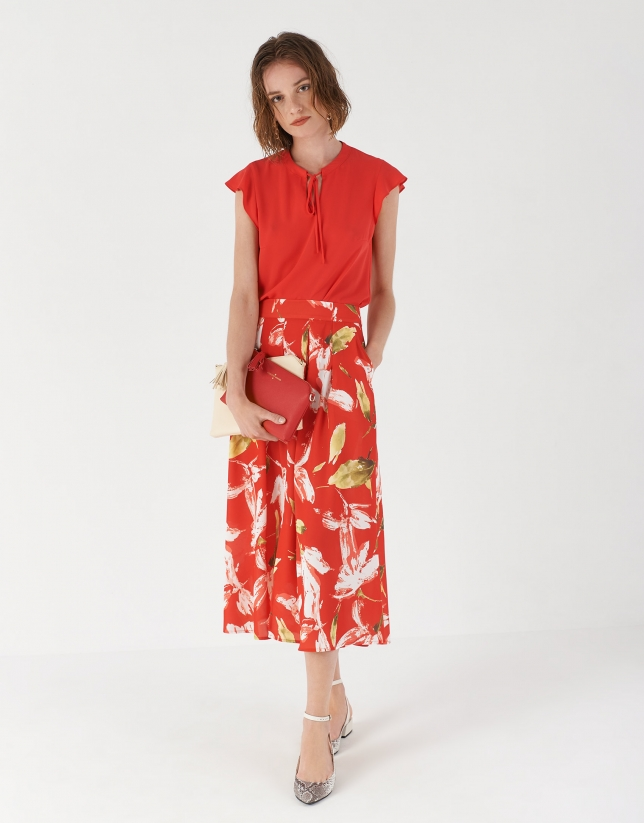 Red flowing top with short sleeves