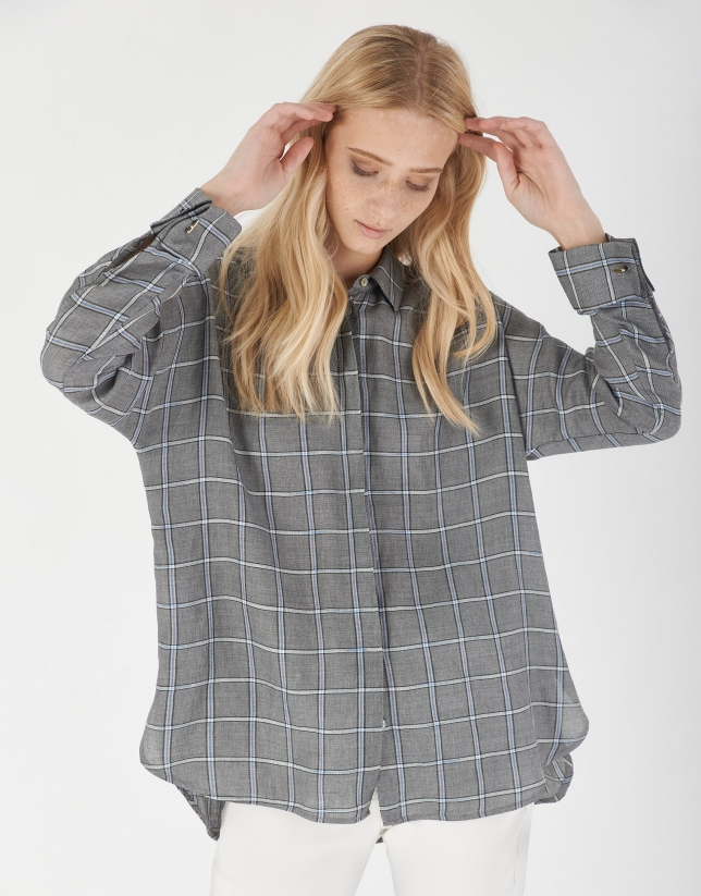 Blue and gray checked loose blouse