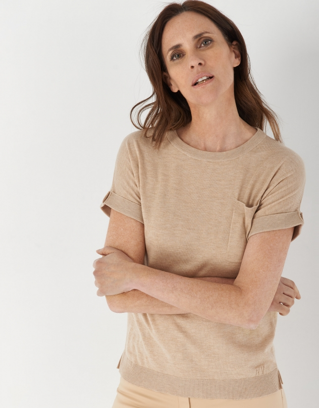 Sand-colored knit top with short bat-sleeves