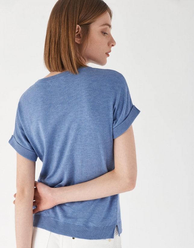 Blue knit top with short bat-sleeves