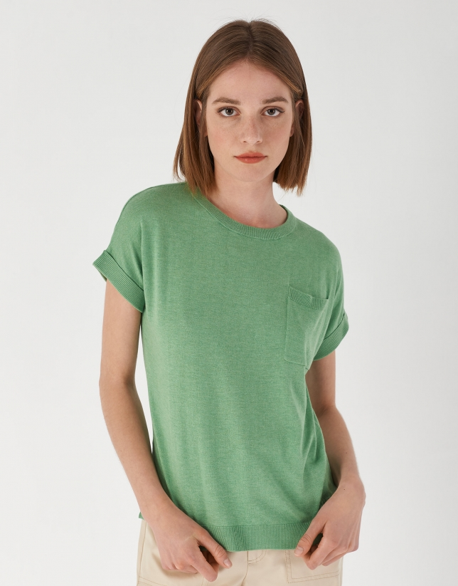Green knit top with short bat-sleeves
