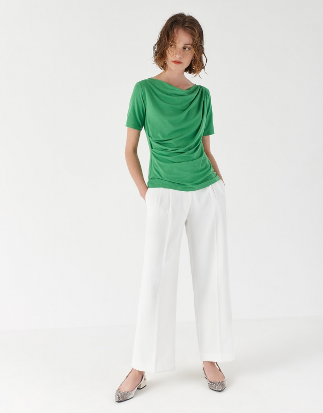 Camiseta drapeada en cintura verde