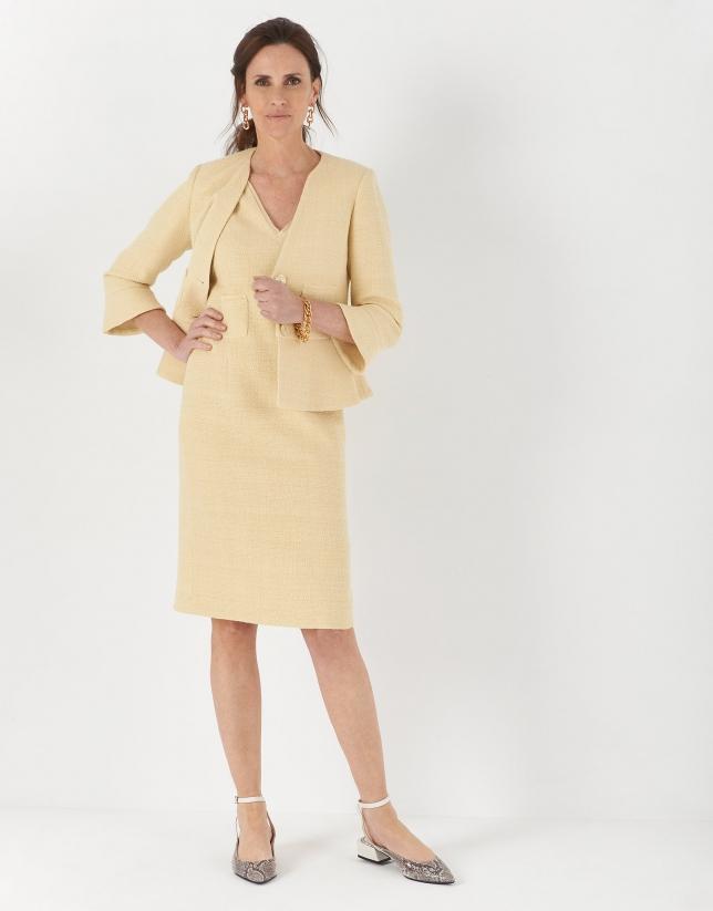 Vestido midi escote pico amarillo