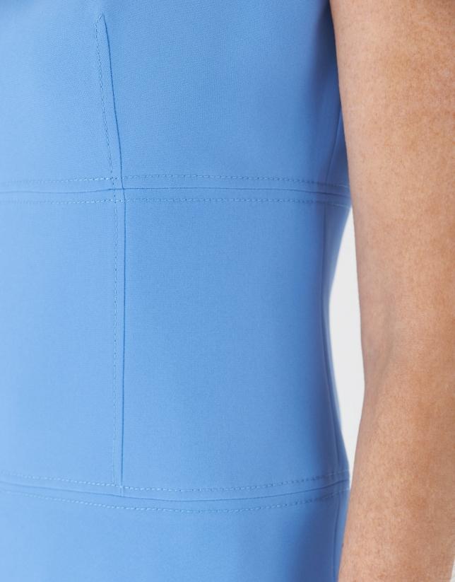 Vestido entallado con evasé azul