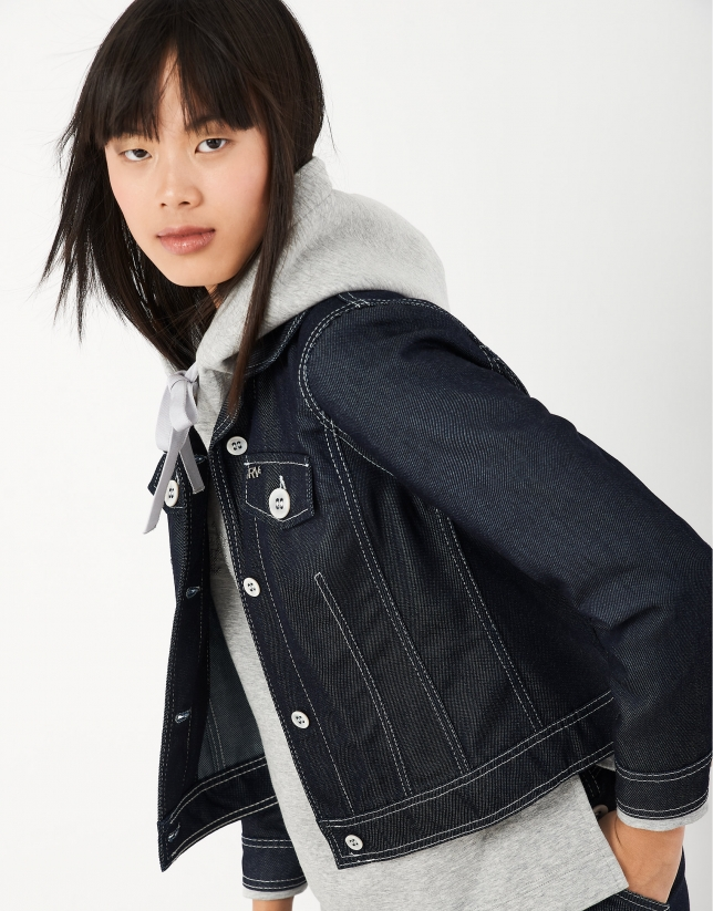 Jean jacket with white back-stitching