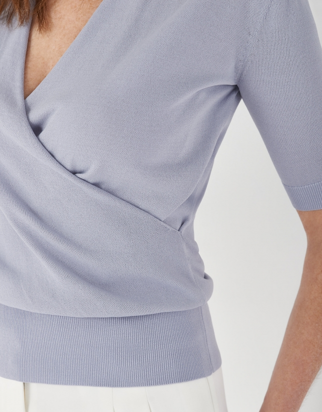 Jersey manga corta escote cruzado azul