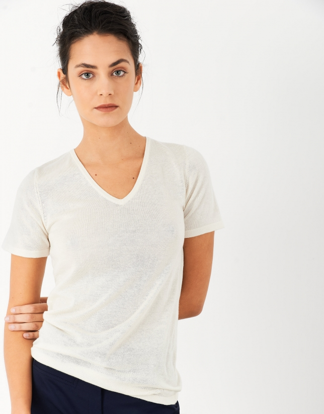 Sand-colored silk and cashmere sweater with short sleeves