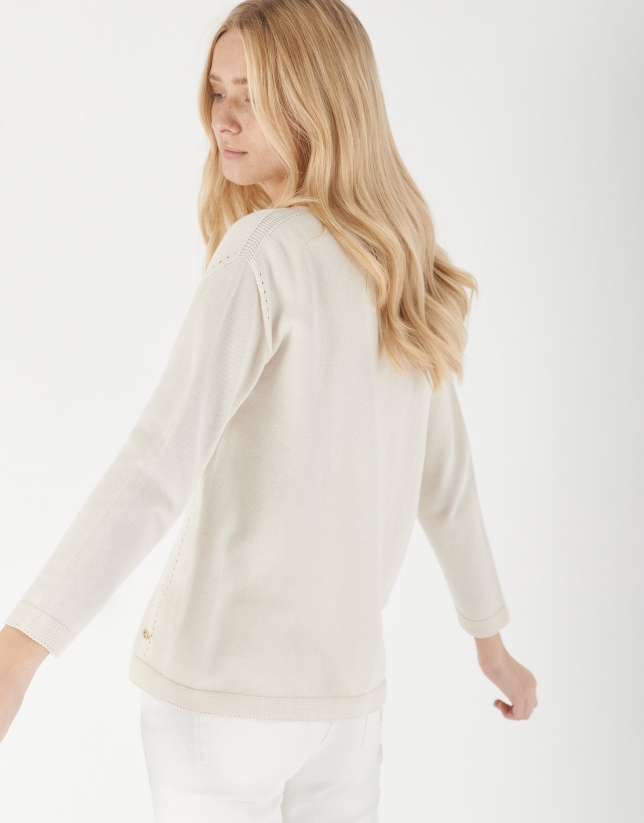 Sand-colored sweater with French sleeves