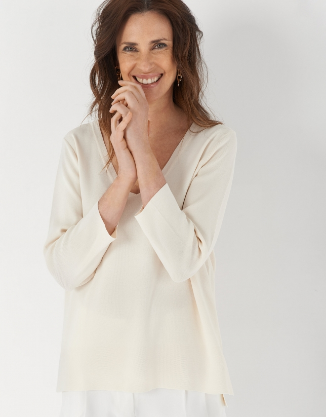 Beige oversize sweater with side openings