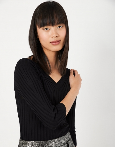 Black canalé sweater with V-neck