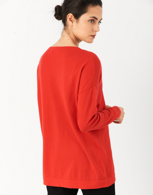 Red oversize sweater with V-neck