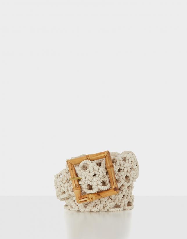 Cinturón de crochet natural