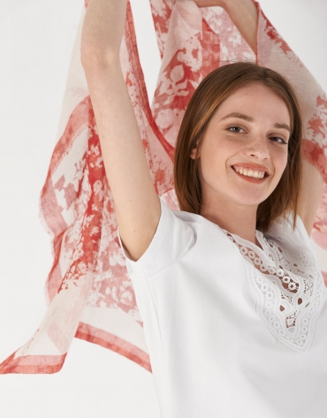 Red floral print cotton and linen scarf
