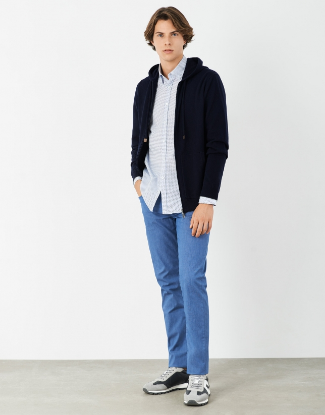 Dyed light blue pants with five pockets